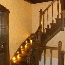 лестницы из дуба и ясеня